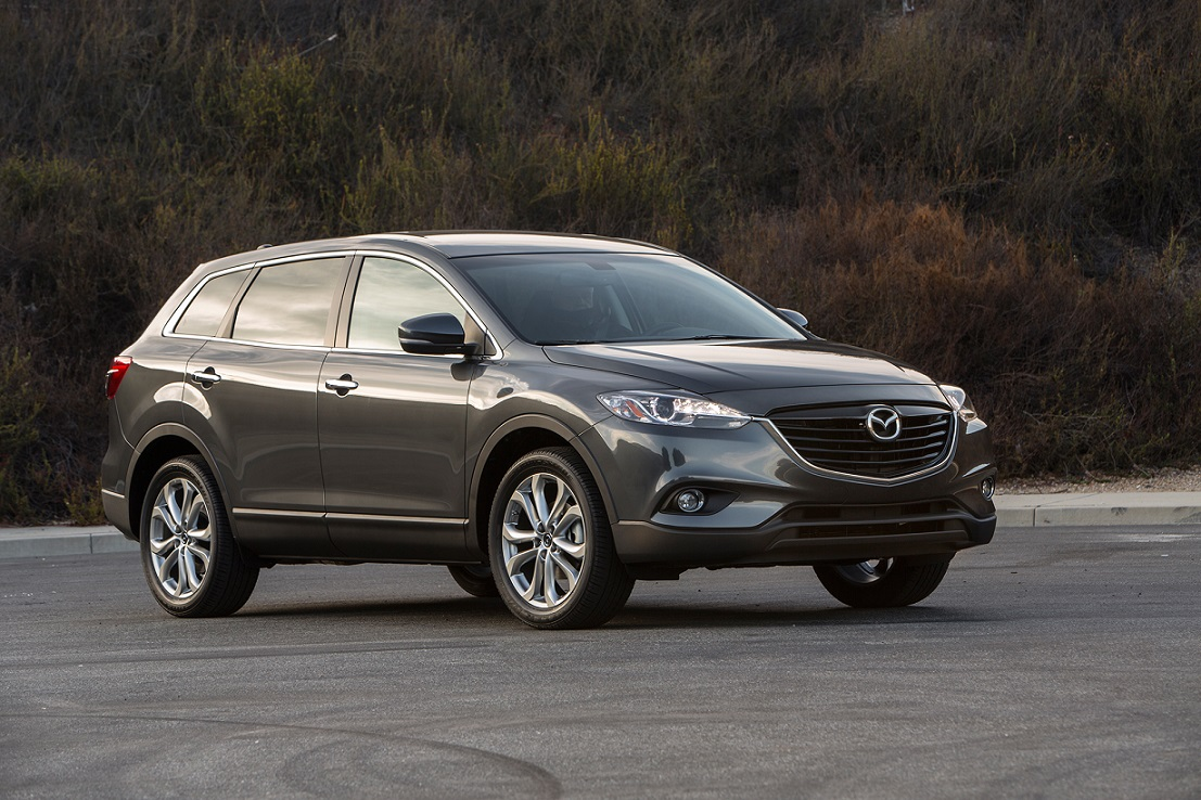 2014-mazda-cx-9-passengers-three-quarters