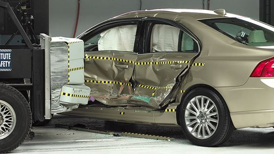 car-crash-test-3