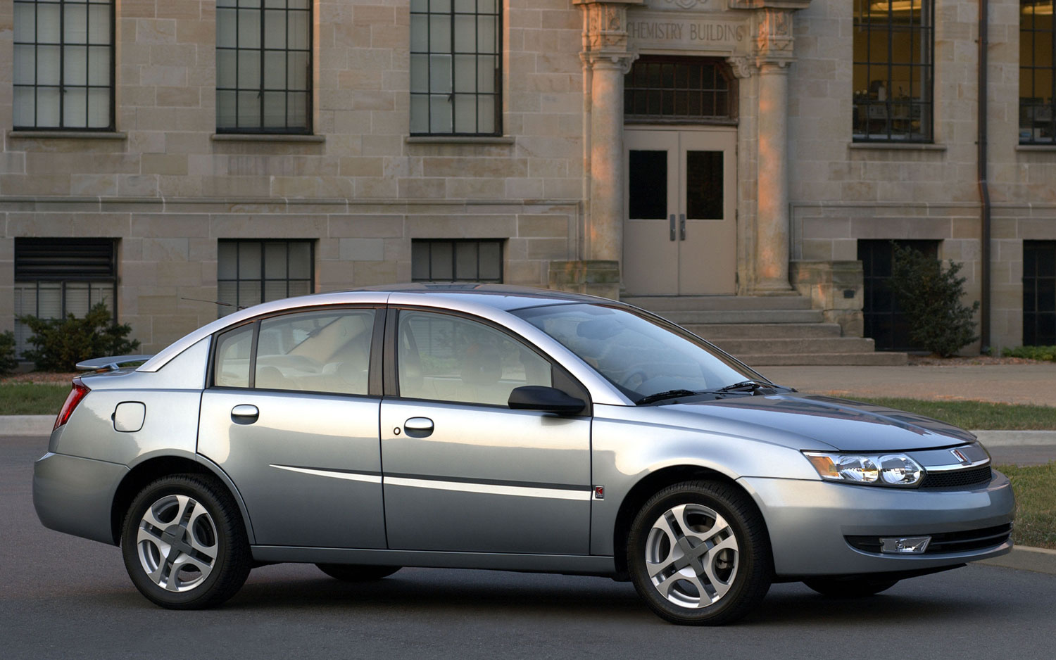 saturn-ion-2003-pictures-83657
