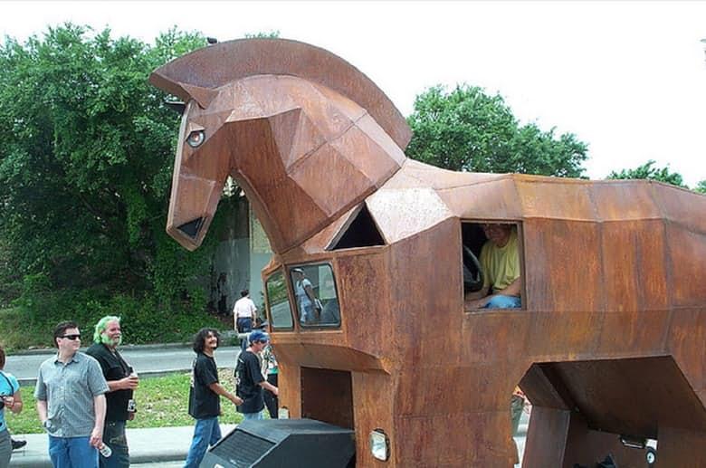 1-the-trojan-horse-car