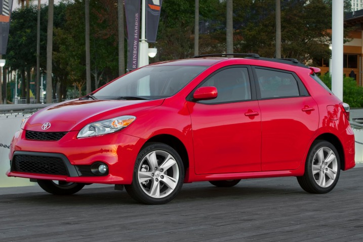 1-toyota_matrix_