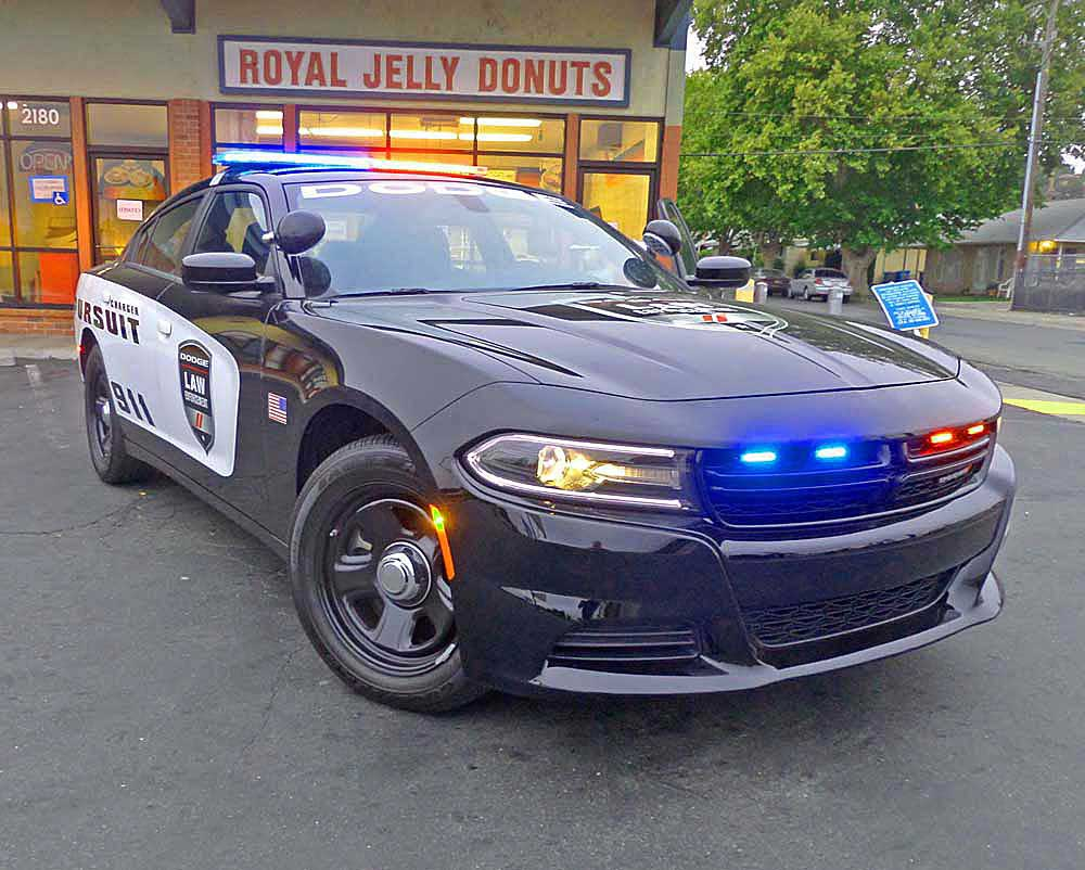2017-dodge-charger-police-pursuit