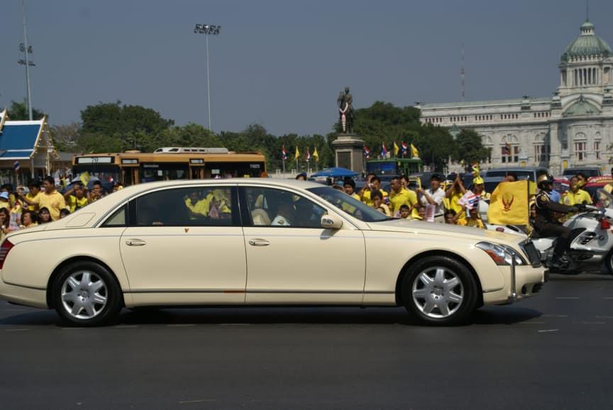 5-thailandia-maybach-62-limousine