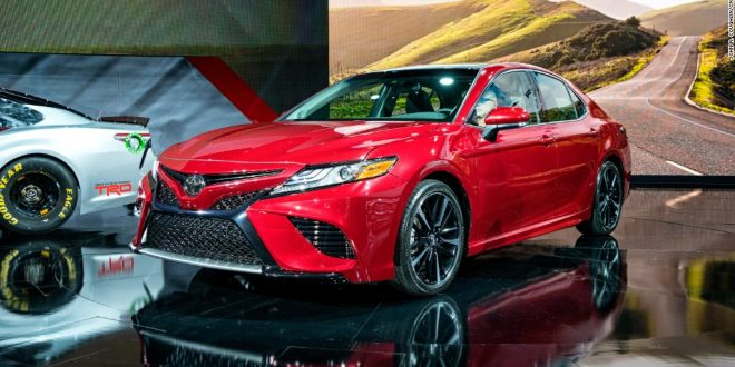 2017-detroit-auto-show-toyota-camry-