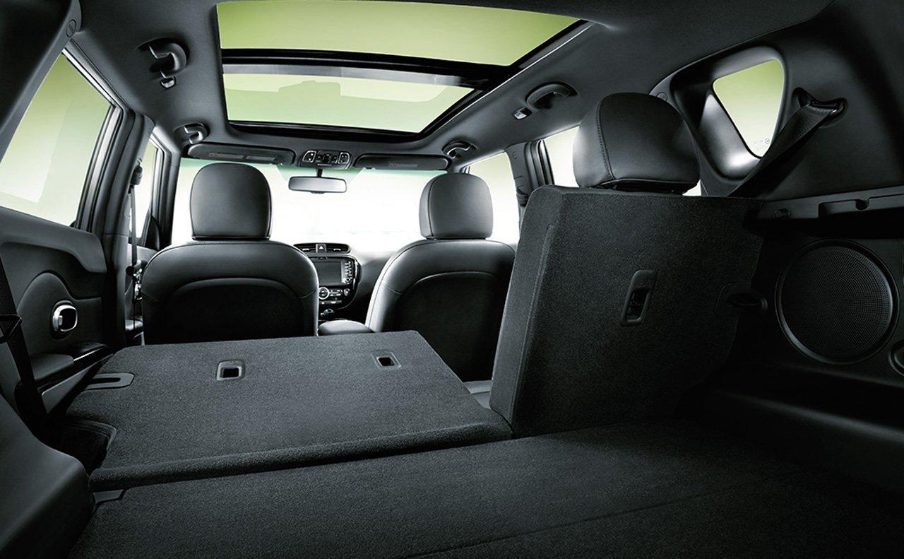 2017 kia soul wagon interior (1)