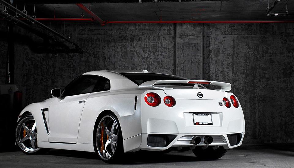 Nissan-GT-R-