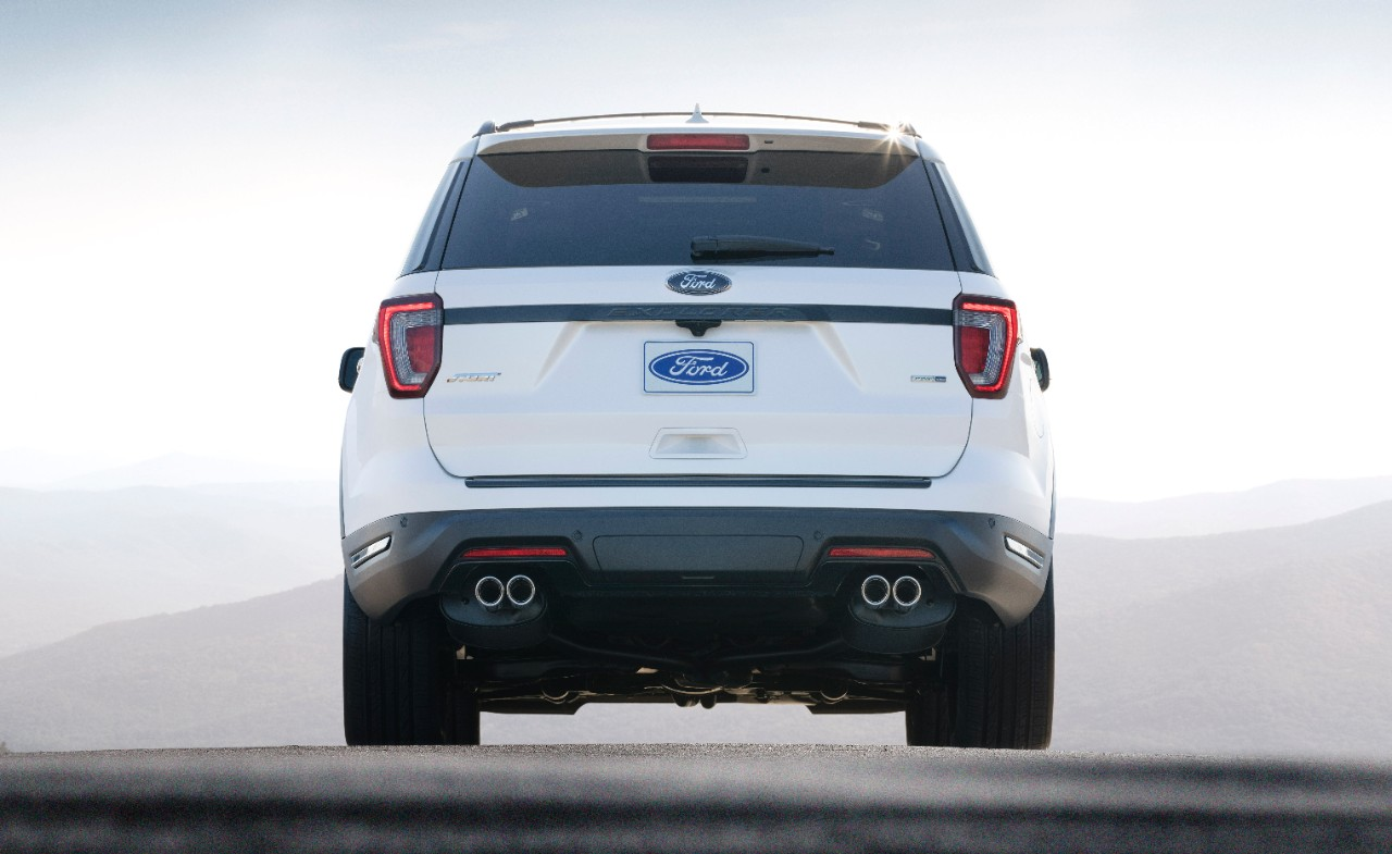 18-Ford-Explorer-Sport_HR_03