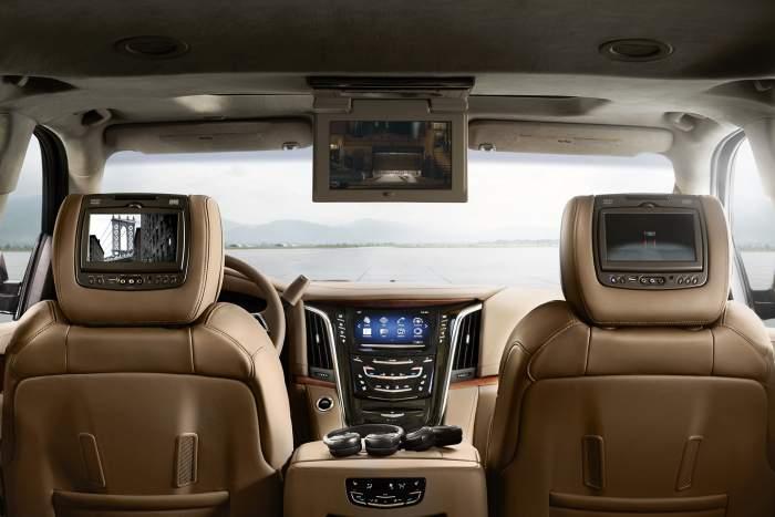 2017-Cadillac-Escalade-ESV-interior