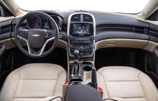2017-Chevrolet-Malibu-Hybrid-Interior (1)
