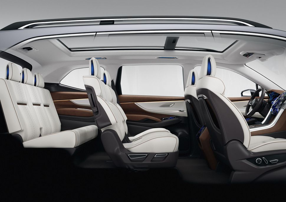 subaru-ascent-suv-concept-full-int