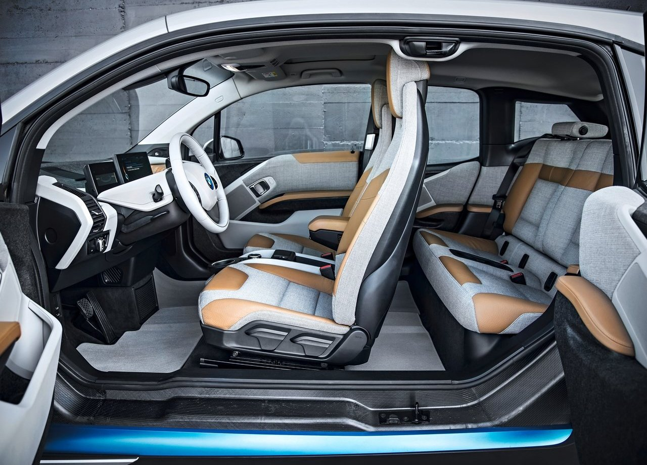 2017-BMW-i3-leather-seats
