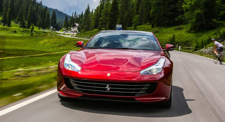 2017-Ferrari-GTC4-Lusso-