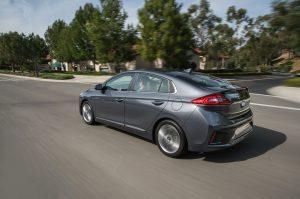 2017-Hyundai-Ioniq-Hybrid- .