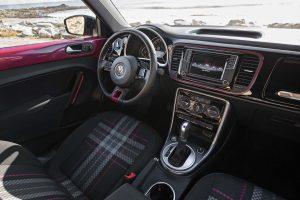 PinkBeetle-interior 2017-Volkswagen-