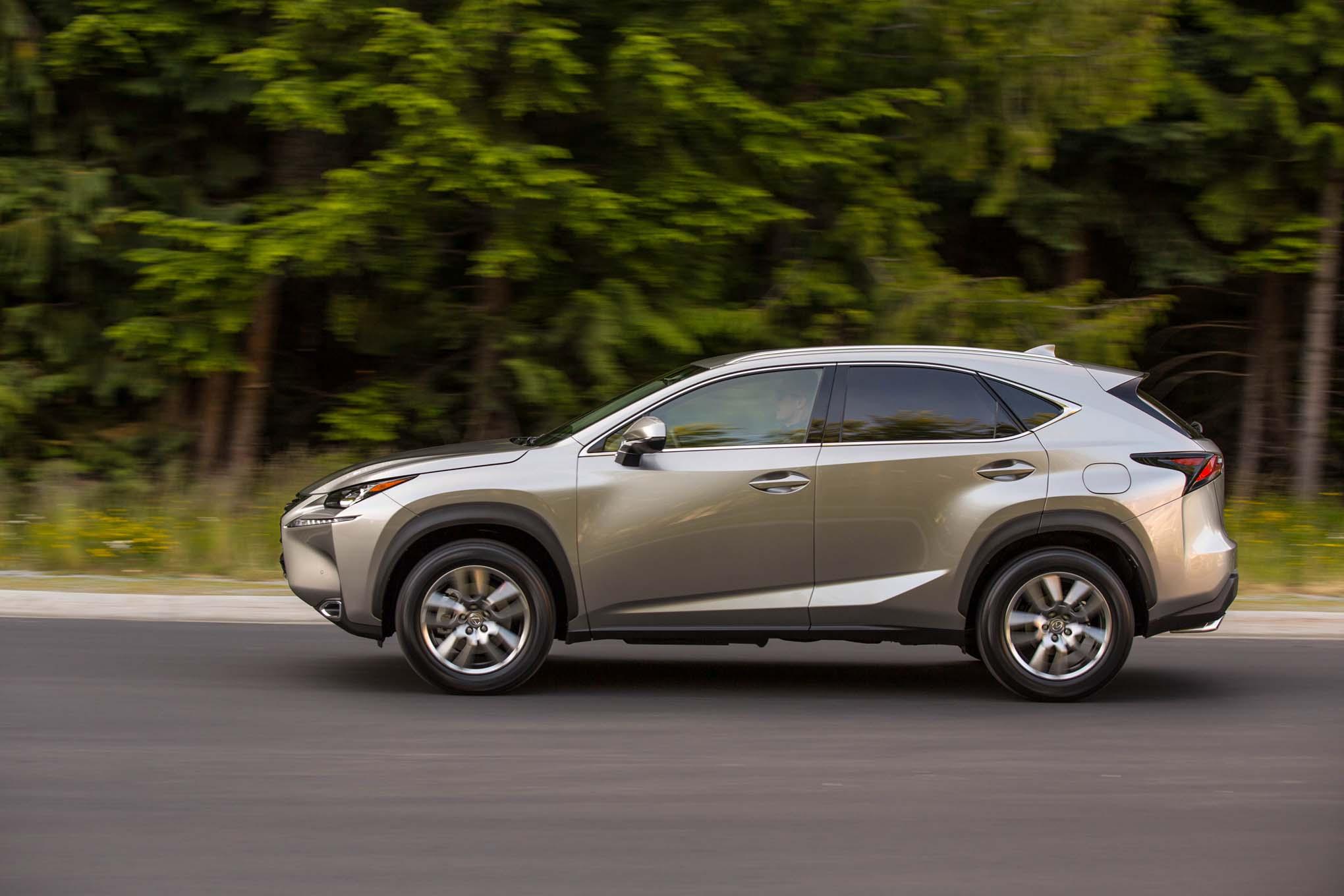 2017-Lexus-NX-200t- 2