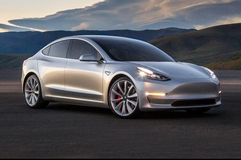 2017-Tesla-Model-3-