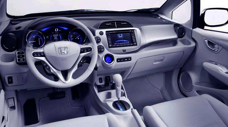 Honda-Fit-2018-Interior