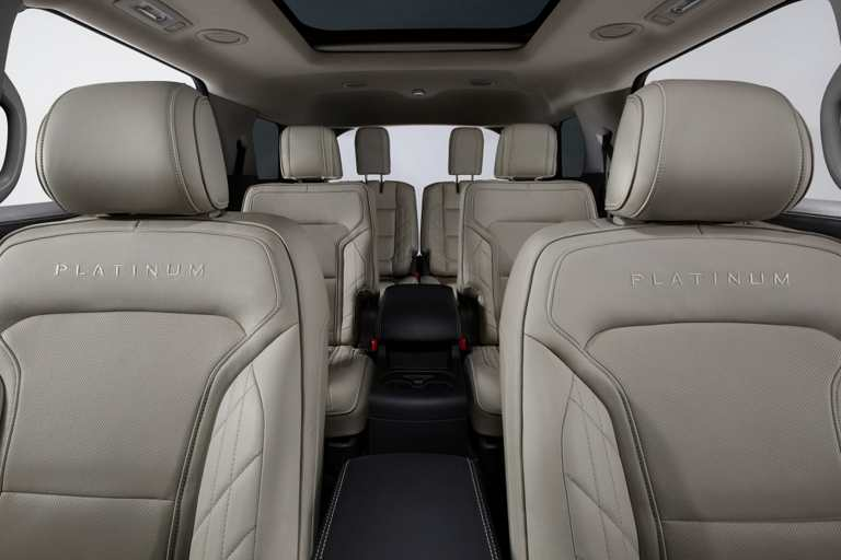 2017 ford explorer platinum inside.2