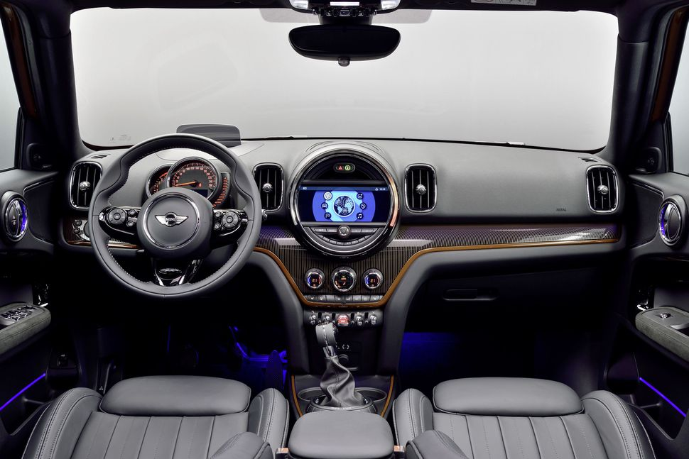 2017-mini-countryman-interior