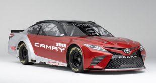 2018_Toyota_Camry_NASCAR_Cup_