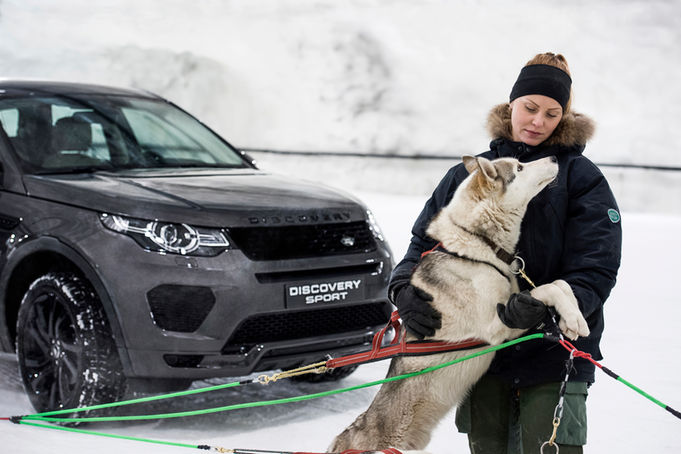 Land-Rover-Discovery-Sport-Snow-Challenge-2 (1)