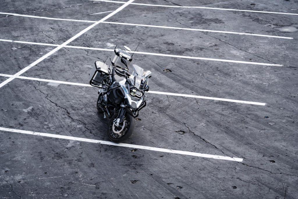 Lo que faltaba. Una moto BMW 1200 GS con capacidad autónoma