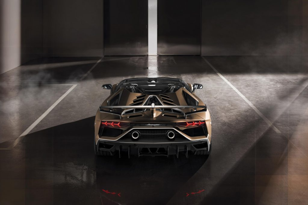 El Lamborghini Aventador SVJ Roadster propone 770 CV a cielo abierto