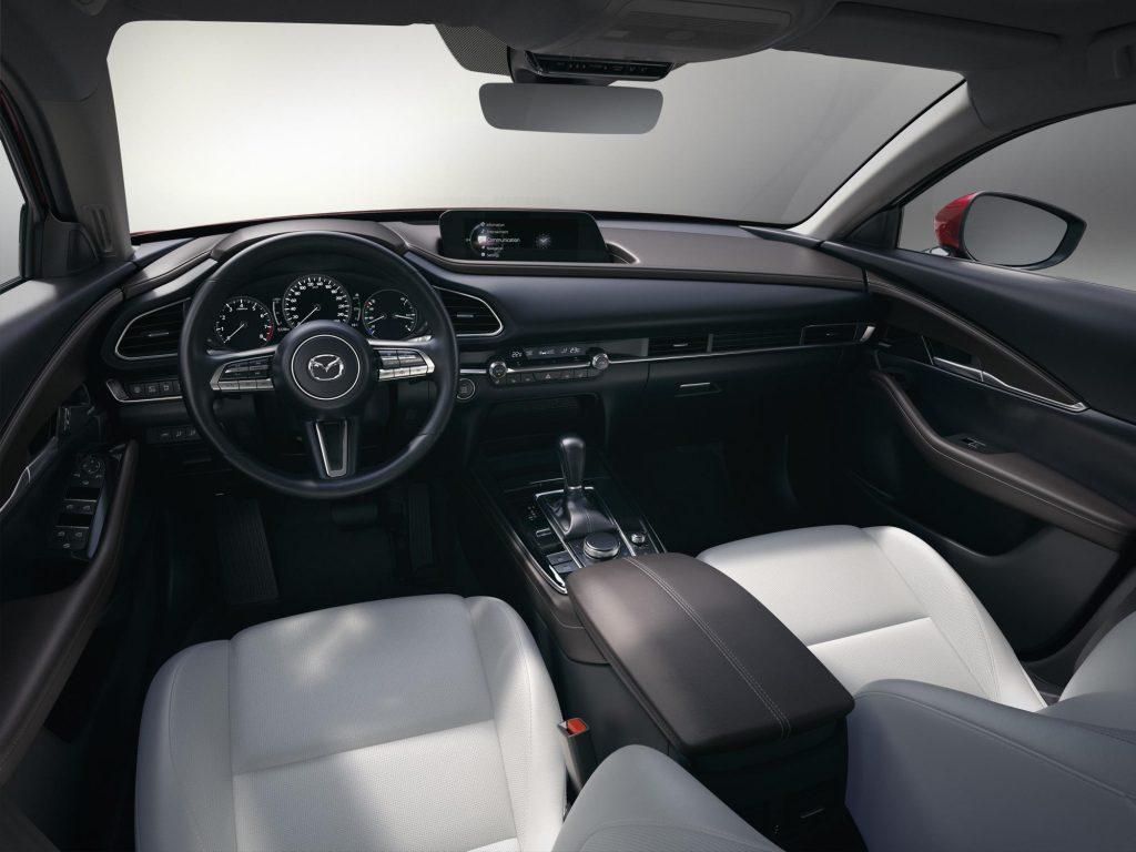 Presentó Mazda la SUV compacta CX-30 en Ginebra, Suiza