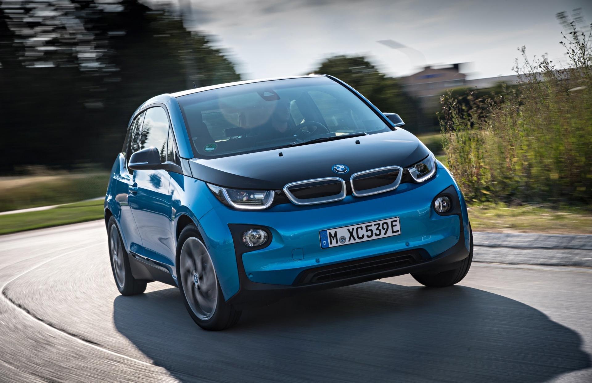 2016-BMW-i3-9