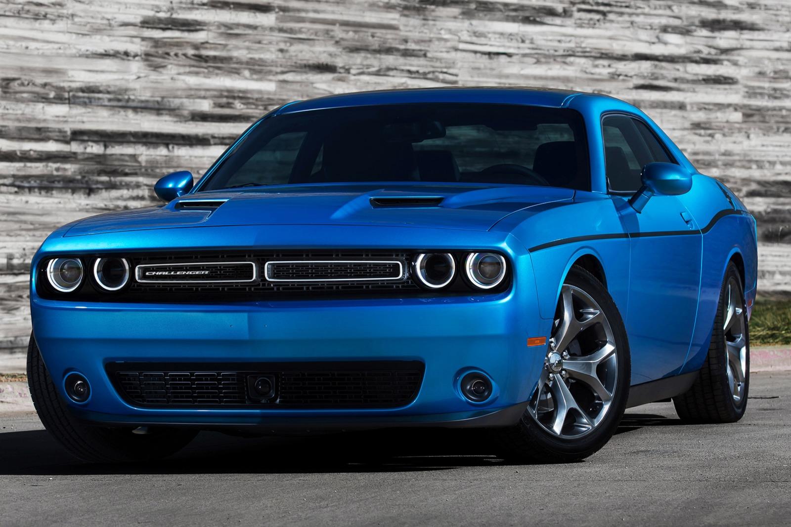 2016_Dodge_Challenger_SXT