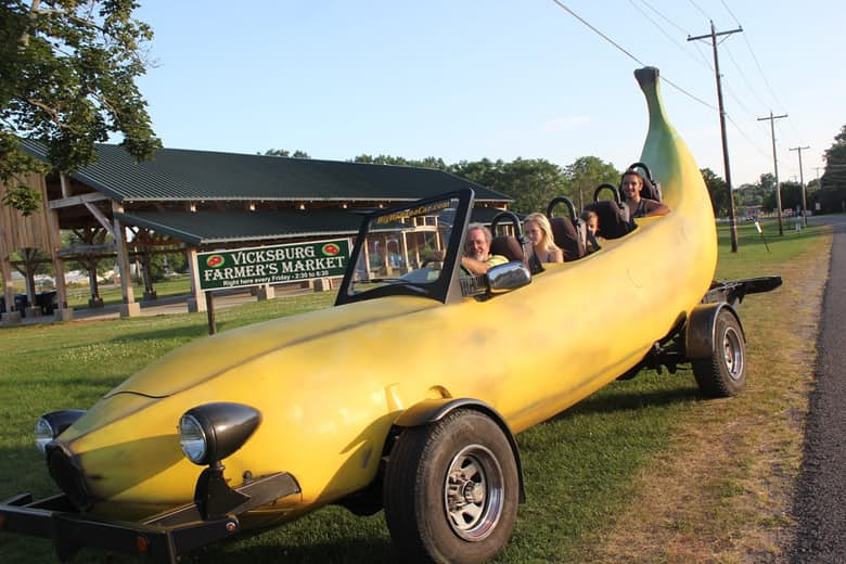 6-the-banana-car