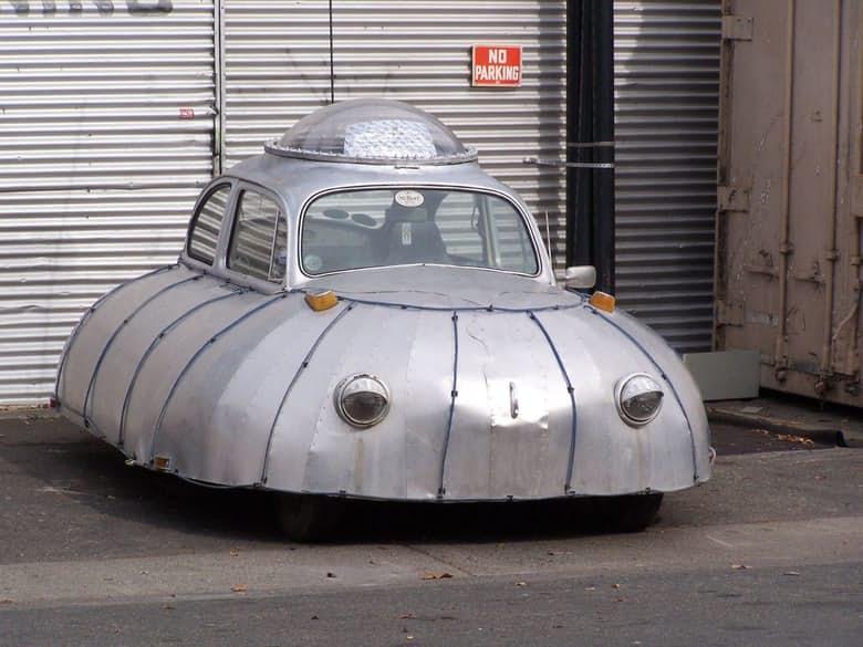 9-the-ufo-car