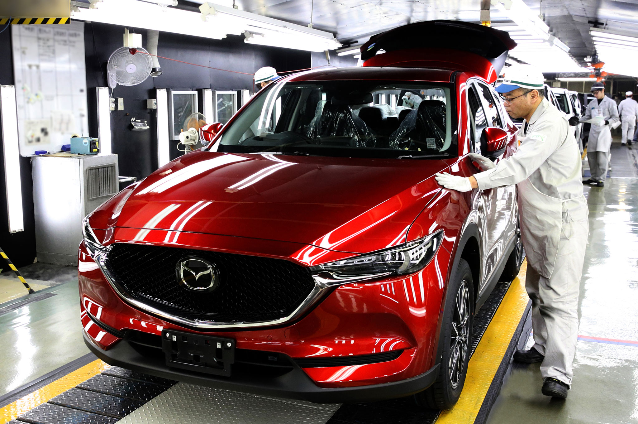 2017-Mazda-CX-5-on-assembly-line