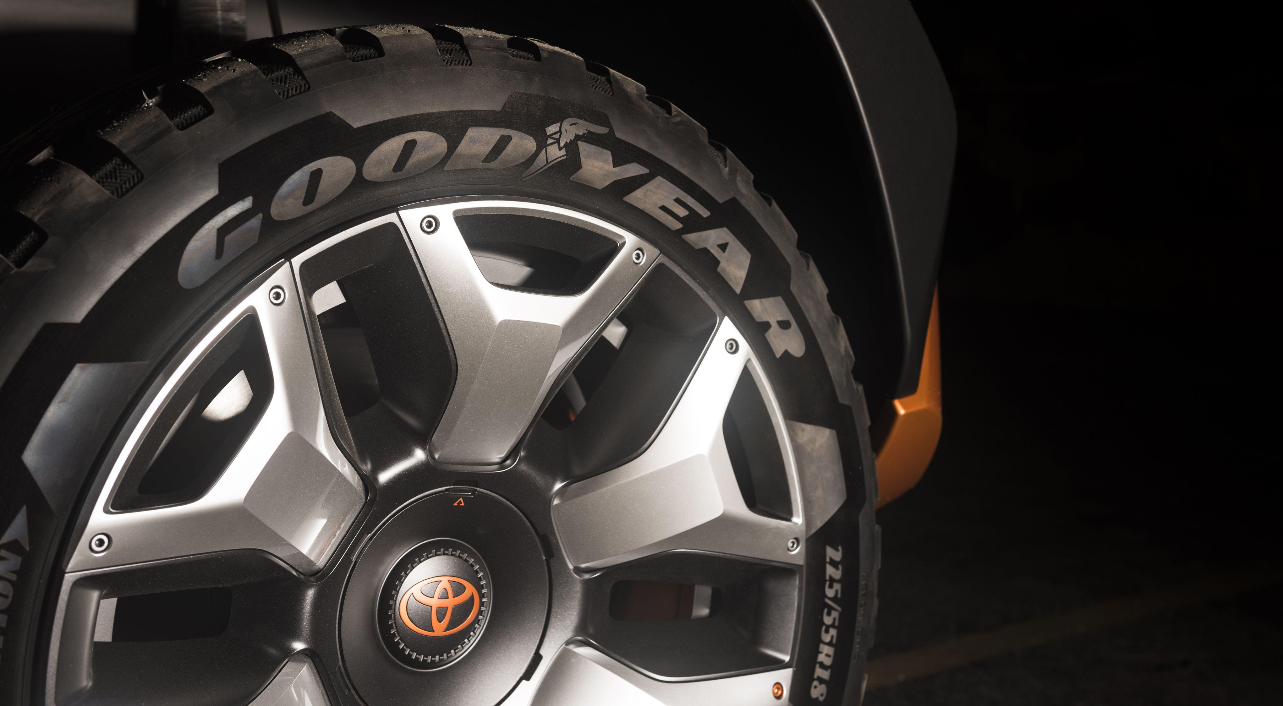 toyota-ft-4x-concept-teaser-1-wheel