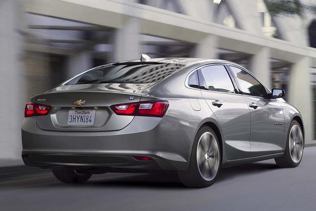 2017-Chevrolet-Malibu-Hybrid-2 (1)