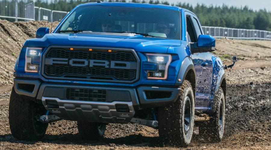 2017-Ford-F-150-Raptor-2