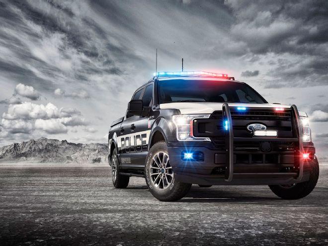 2018-ford-f-150-police-responder-exterior-front-quarter-04
