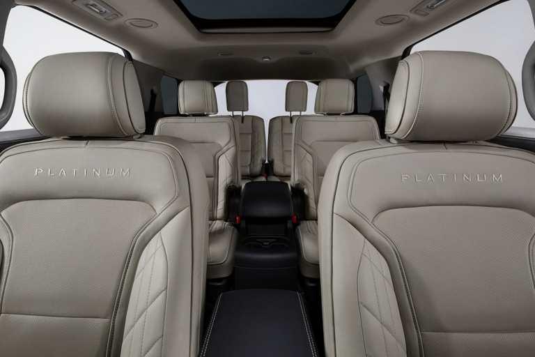 2017 ford explorer platinum inside.2