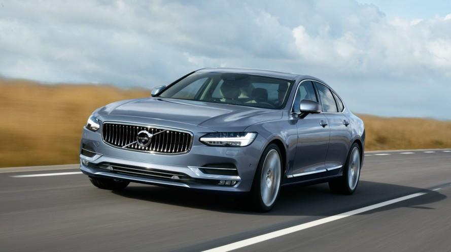 2017_Volvo_S90_