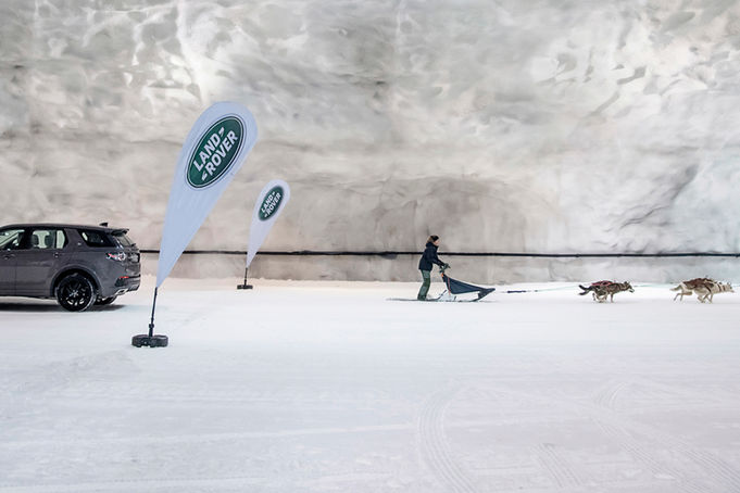 Land-Rover-Discovery-Sport-Snow-Challenge-3