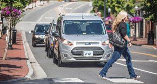 Ford se asoció con Virginia Tech Transportation Institute para desarrollar señales de comunicación entre vehículos autónomos y peatones