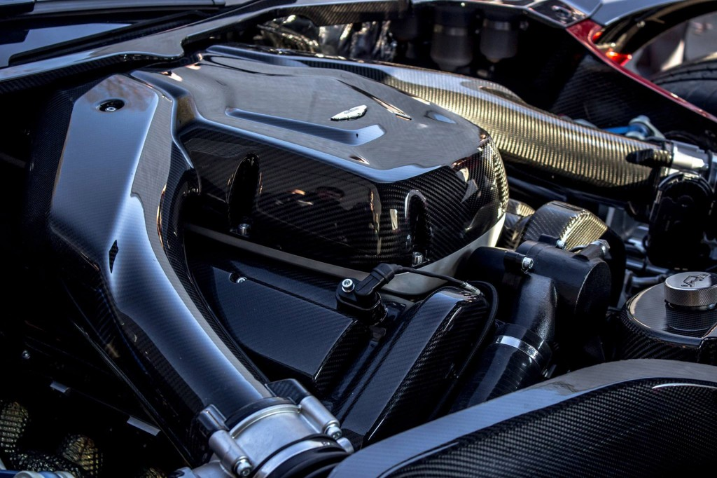 first-aston-martin-vulcan-delivered-in-the-united-states_100536958_l