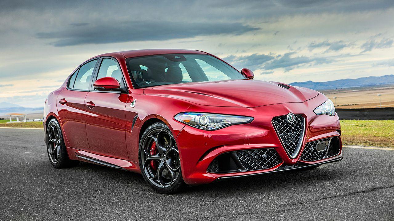 2017-Alfa-Romeo-Giulia-Quadrifoglio