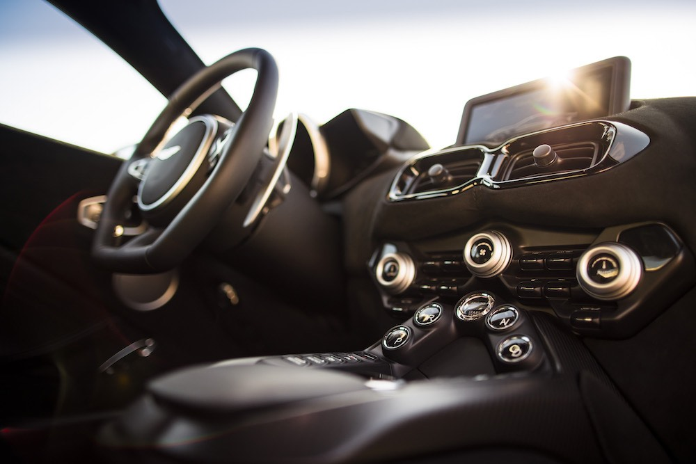 Aston Martin Vantage.