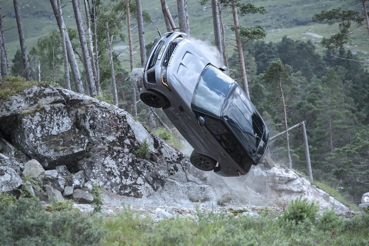 """El Range Rover Sport SVR y las peripecias de la película """"Sin tiempo para morir"""" de James Bond"""